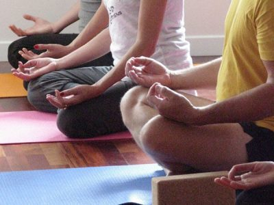 Méditation et relaxation au centre ysananda yoga à bordeaux centre, yoga bordeaux chartrons