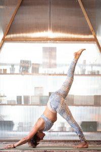 posture Hatha Yoga bordeaux